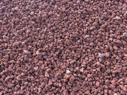 Puzolana roja o roca volcanica for Piedra volcanica para jardin